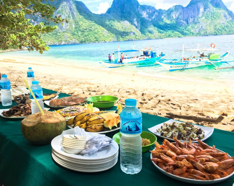 1-El-Nido- lunch buffet