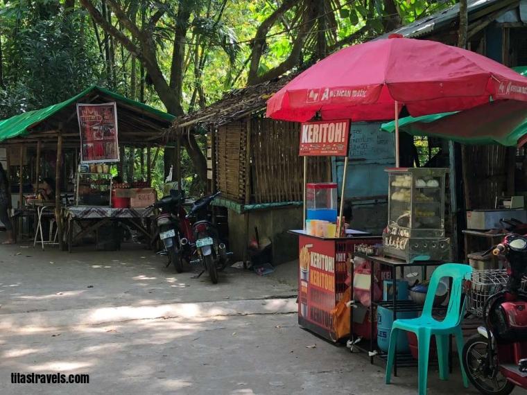 3-enter-walk-2-stalls