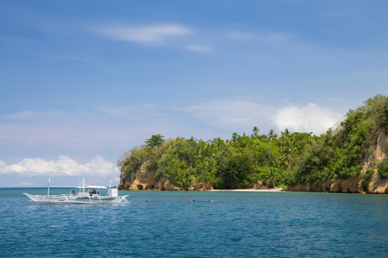 Philippines, Luzon, Sorsogon Province, Donsol, boats waiting for whale shark