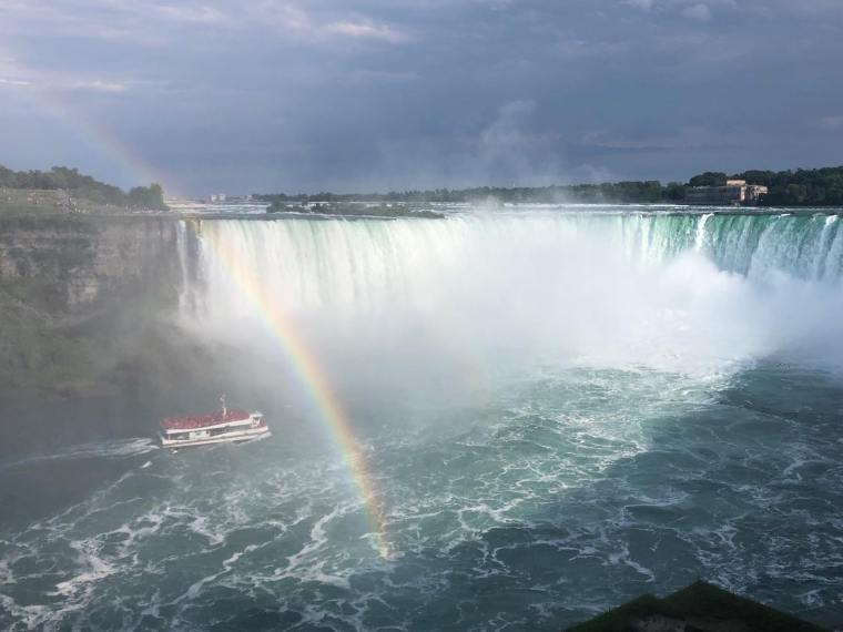 Hornblower-Horseshoe Falls-rainbow